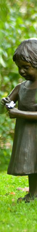Michelle Garrett Photographer - Sidebar Image - In The Garden People